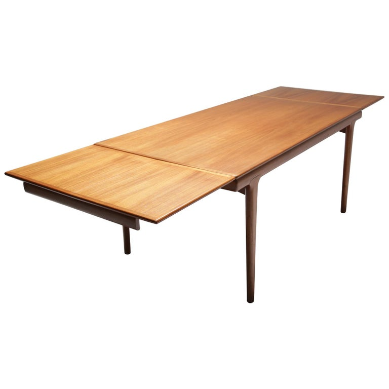 Niels Moller Style Teak Dining Table At 1stdibs