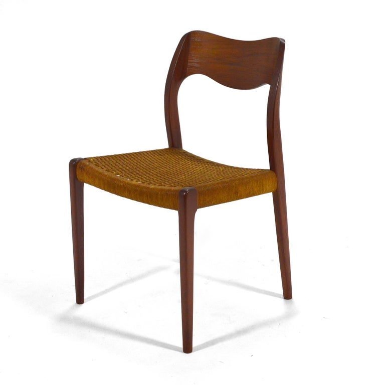Niels O. Møller Dining Chairs Model 71 by J.L. Møllers Møbelfabrik In Good Condition For Sale In Highland, IN
