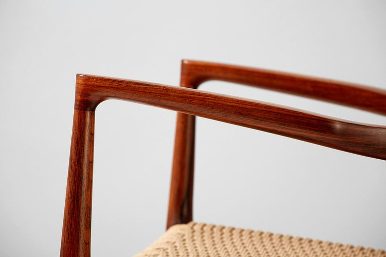 Niels O. Moller Model 57 Rosewood Carver Chair In Good Condition For Sale In London, GB