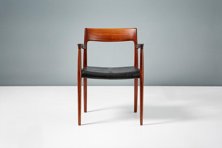 Niels O. Moller Model 57 Rosewood Carver Chair In Excellent Condition For Sale In London, GB