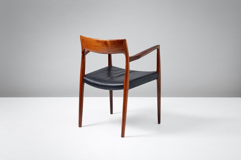 Niels O. Moller Model 57 Rosewood Carver Chairs In Good Condition For Sale In London, GB