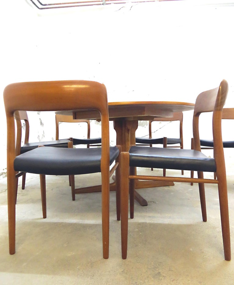Niels O. Möller No. 75 Danish Modern Teak Dining Table with 6 Chairs, Set, 1960s In Good Condition For Sale In Hamburg, DE