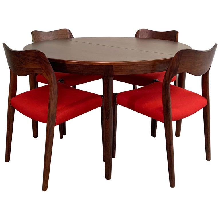 Niels O Moller Round Rosewood Extension Dining Set For Sale