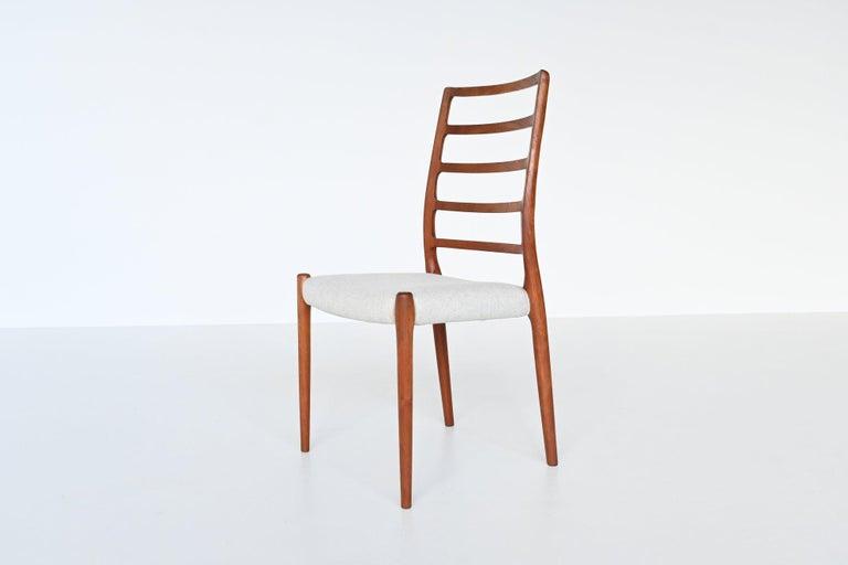 Niels Otto Moller Model 82 Teak Dining Chairs J.L. Moller Mobelfabrik Denmark 19 In Good Condition For Sale In Etten-Leur, NL