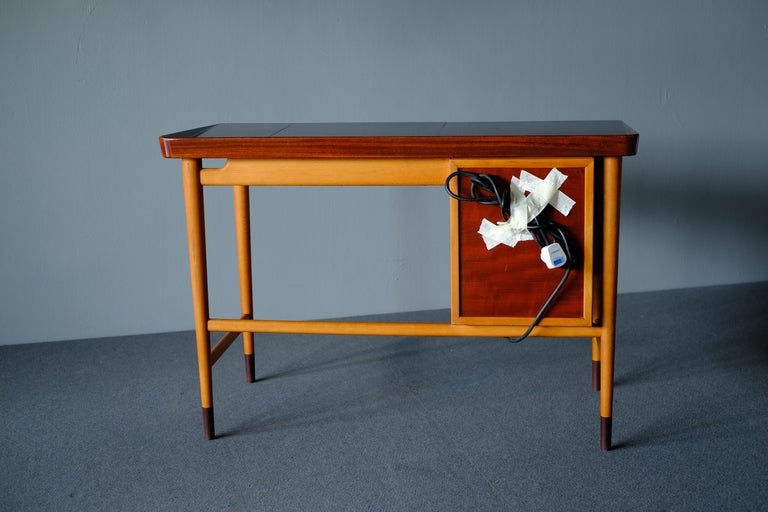 Glass Niels Vodder, Beech and Mahogany Dressing Table For Sale