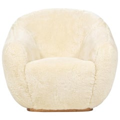 Niemeyer II Armchair, Fur and Oak, InsidherLand by Joana Santos Barbosa