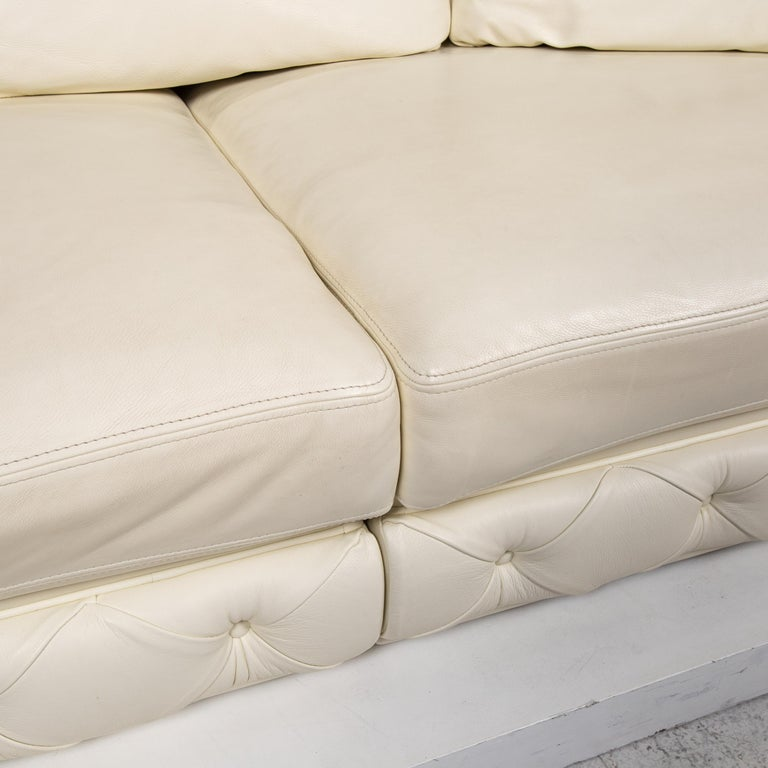 Modern Nieri Leather Sofa Cream Four-Seat Couch For Sale