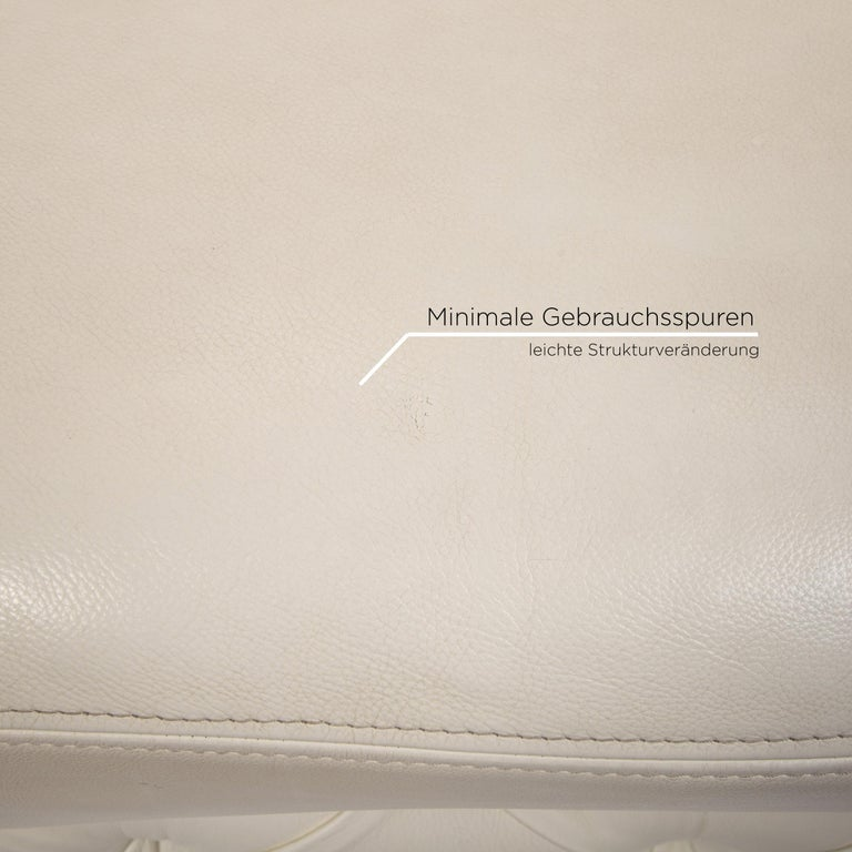 Nieri Leather Sofa Cream Four-Seat Couch In Good Condition For Sale In Cologne, DE