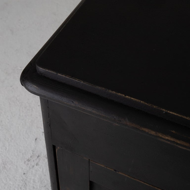 Nightstand Swedish Black 19th Century Sweden In Good Condition For Sale In New York, NY