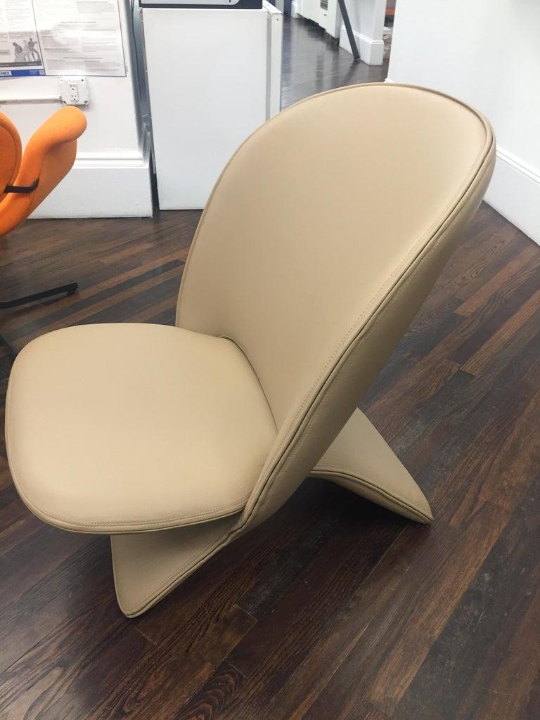 Dutch Artifort Niloo Pinguin Chair by Khodi Feiz For Sale