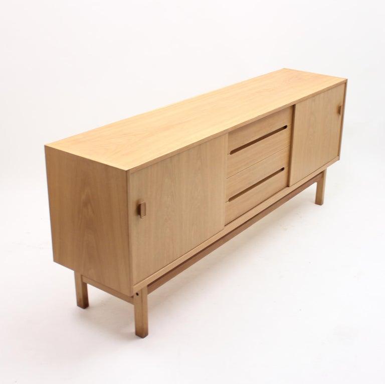 Nils Jonsson, Arild Oak Sideboard, Troeds, 1960s In Good Condition For Sale In Uppsala, SE