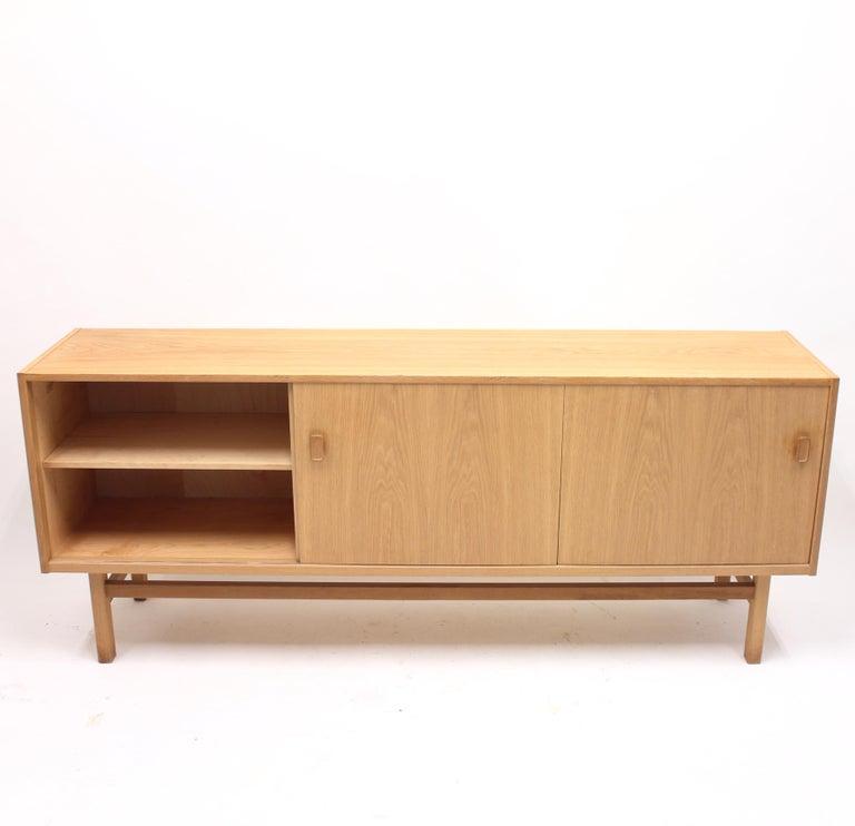 20th Century Nils Jonsson, Arild Oak Sideboard, Troeds, 1960s For Sale