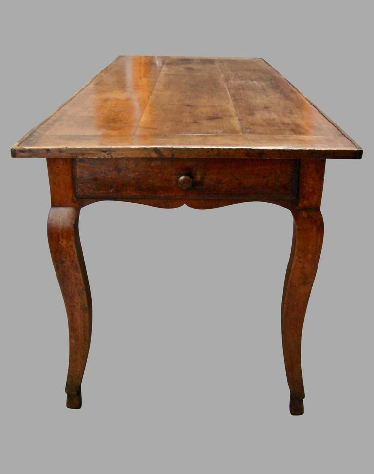 19th Century French Fruitwood Farm Table with Long Drawer In Good Condition For Sale In San Francisco, CA