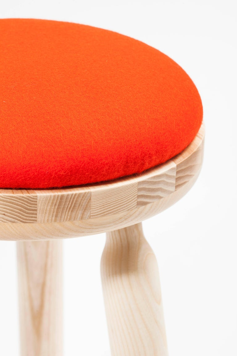 Ninna Stool by Carlo Contin with Ashwood and Wool Fabrics In New Condition For Sale In Paris, FR