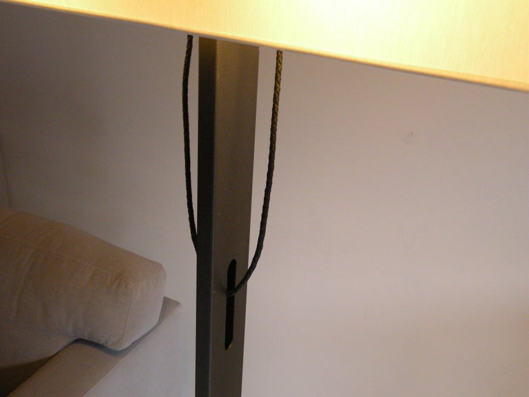 'No. 19 Classic' Floor Lamp, Structured Paint, White Shade, Leather Cord Details In New Condition For Sale In Amsterdam, NL