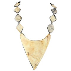 No 21 Triangle Bone Shape Necklace