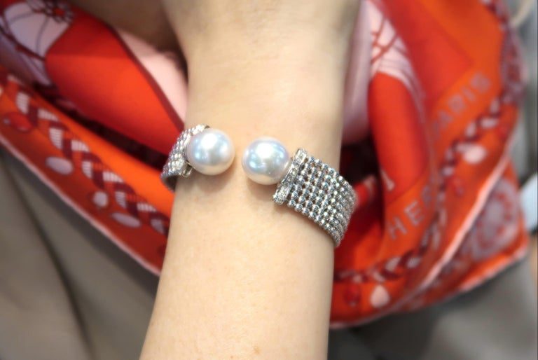 Easy-to-Wear Spring Open Bangle in 18K Gold w/ Diamonds & White South Sea Pearls For Sale 5