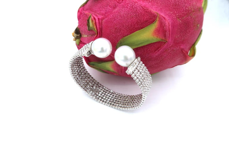 Easy-to-Wear Spring Open Bangle in 18K Gold w/ Diamonds & White South Sea Pearls For Sale 2