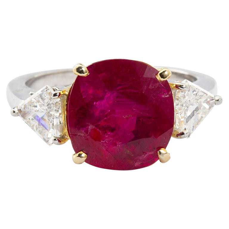 No-Heat Burma Ruby 4.00 Carat Ring with Kite Shape Diamond Sides GIA Certified For Sale