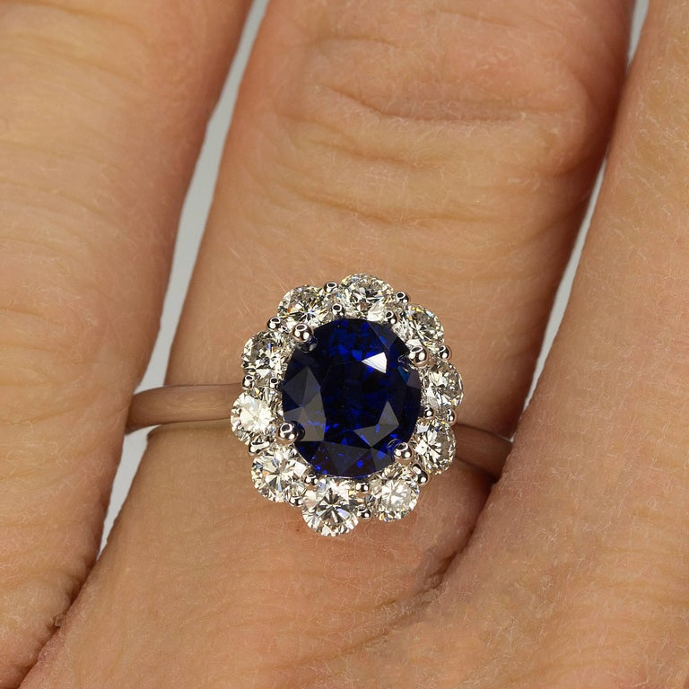 Women's or Men's No Heat Sapphire and Diamond Gold Ring For Sale