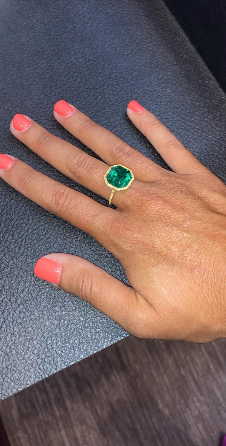 Asscher Cut No Oil Colombian Emerald and Diamond Ring For Sale