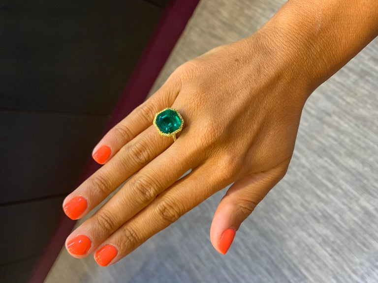 Women's No Oil Colombian Emerald and Diamond Ring For Sale