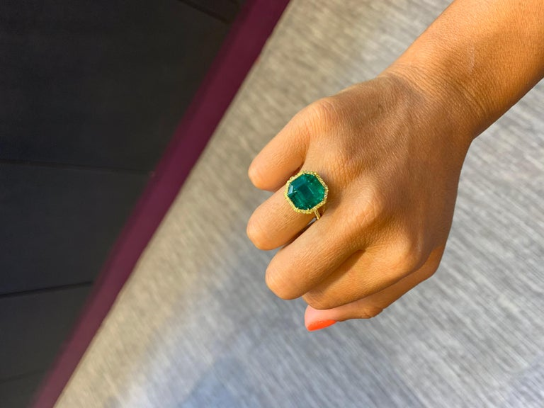 No Oil Colombian Emerald and Diamond Ring For Sale 1