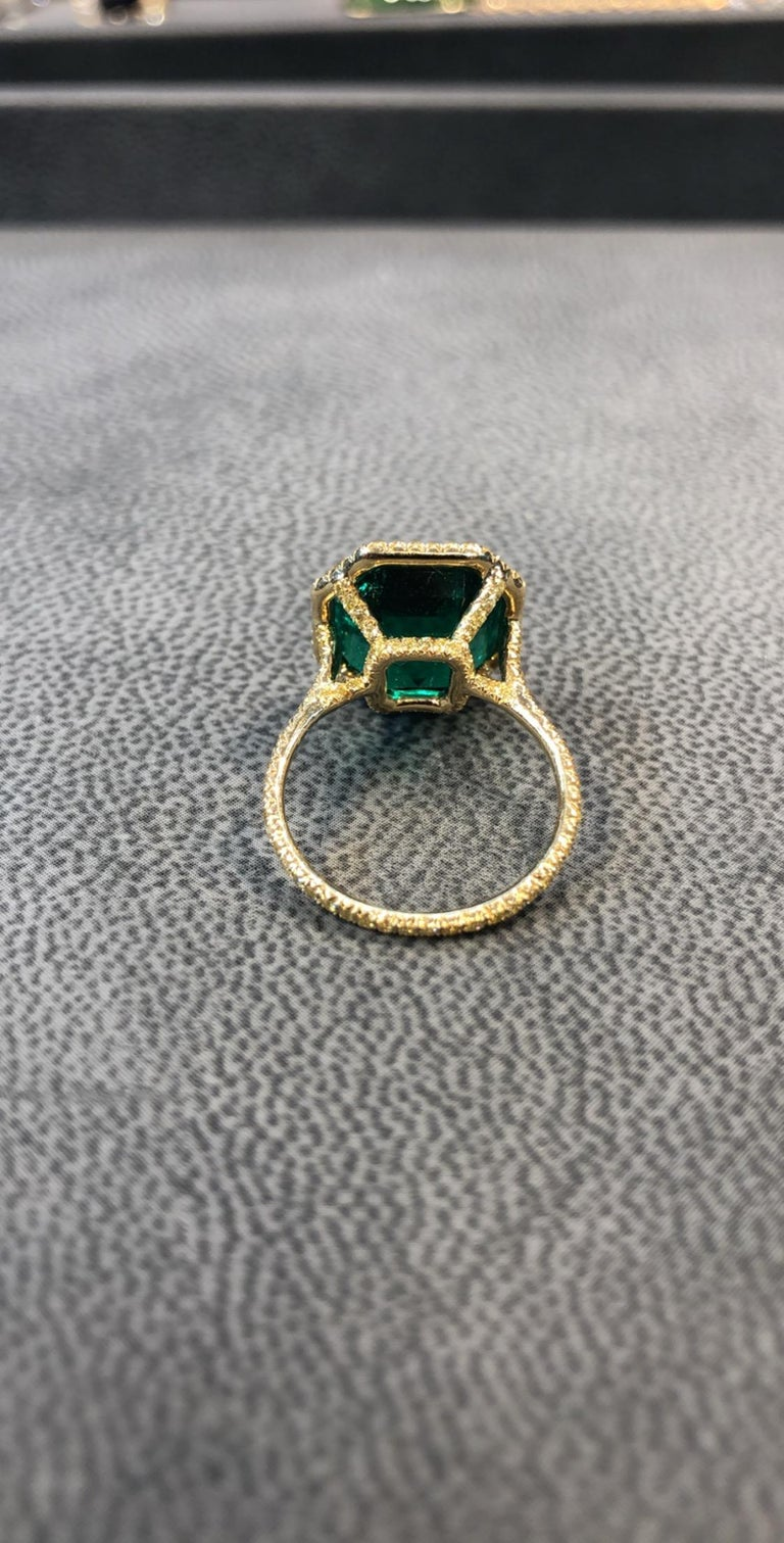 No Oil Colombian Emerald and Diamond Ring For Sale 2