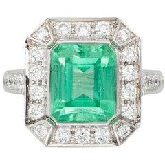 No-Oil Russian Emerald White Diamond 18 Karat Gold Fashion Ring