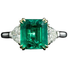 No Treatment 2.73 Carat Colombian Emerald Diamond Ring, AGL/GIA