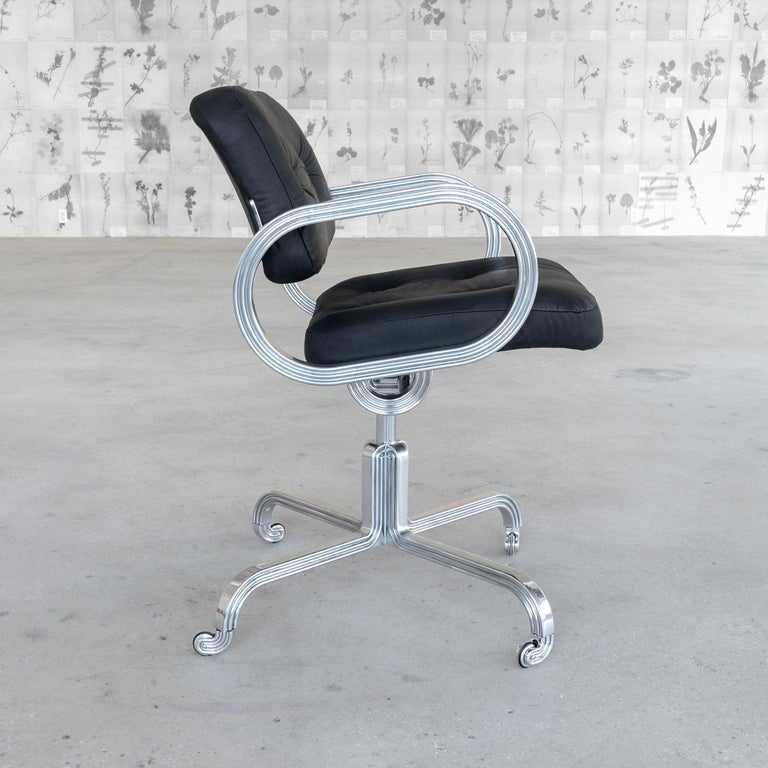 American Nº129 Profession Chair by Avoirdupois - A leather and metal swivel office chair For Sale