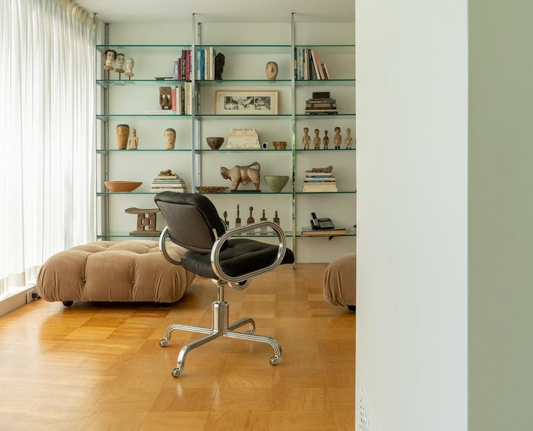 Contemporary Nº129 Profession Chair by Avoirdupois - A leather and metal swivel office chair For Sale