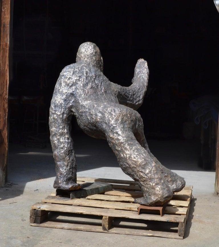 Peace Gorilla bronze sculpture For Sale 1