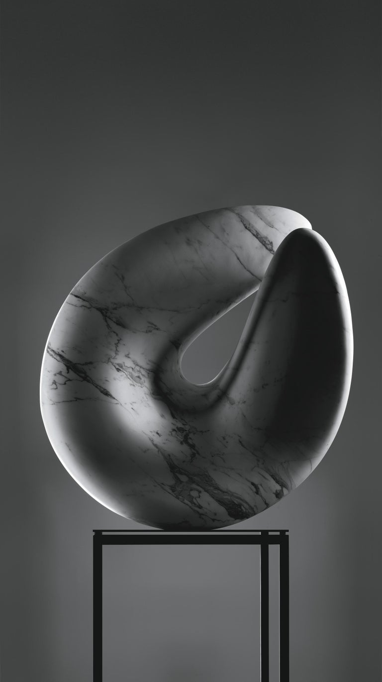 Nodo Sciolto sculpture in Bianca carrara marble by Kreoo.