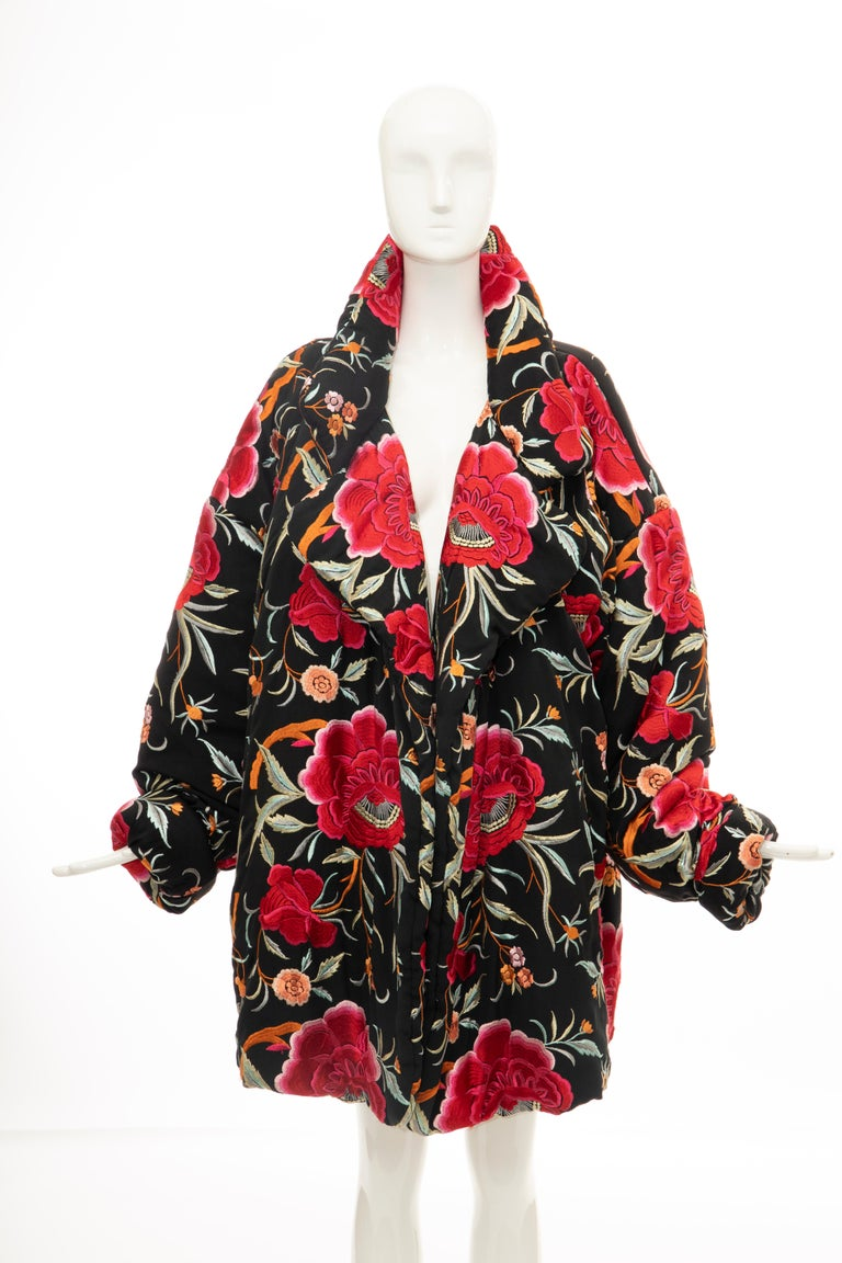 Norma Kamali Black Floral Embroidered Cocoon Coat, Circa: 1980's In Excellent Condition For Sale In Cincinnati, OH