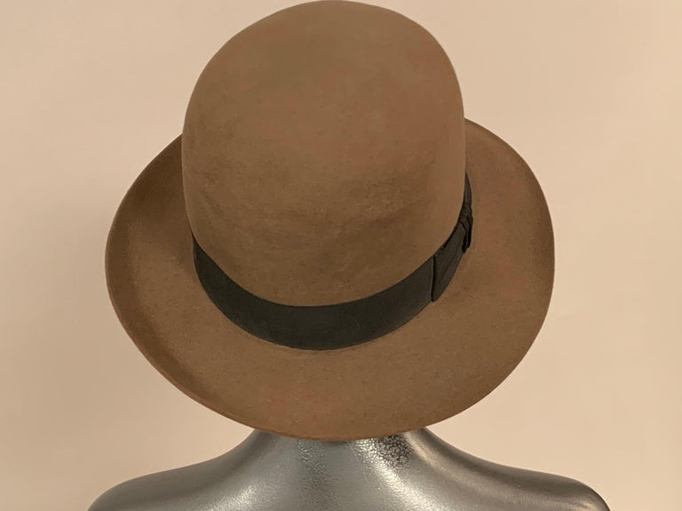 Norma Kamali for Stetson Taupe Wool Felt Fedora Hat In Excellent Condition For Sale In New Hope, PA