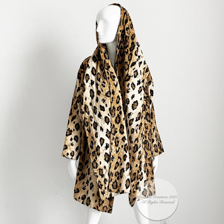 Norma Kamali Leopard or Tiger Print Shawl Collar Jacket Vintage 90s  In Good Condition For Sale In Port Saint Lucie, FL