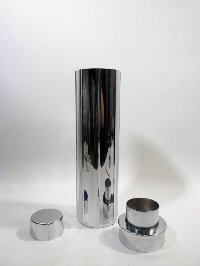Polished Norman Bel Geddes Manhattan Art Deco Skyscraper Cocktail Shaker Revere For Sale