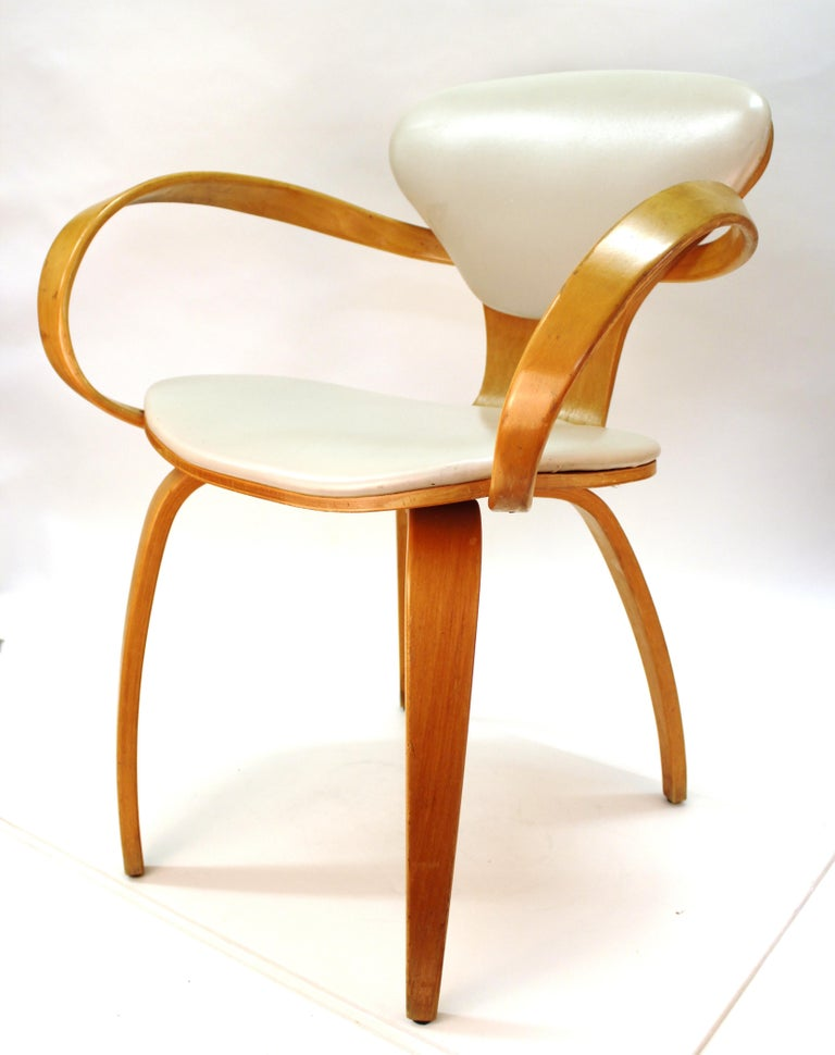 Norman Cherner for Plycraft Mid-Century Modern Dining Room Chairs In Good Condition For Sale In New York, NY