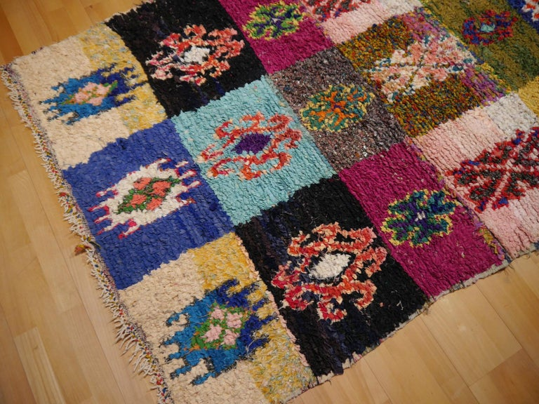 North African Tribal Khozema Rug Modern Moroccan Design In Good Condition For Sale In Lohr, Bavaria, DE