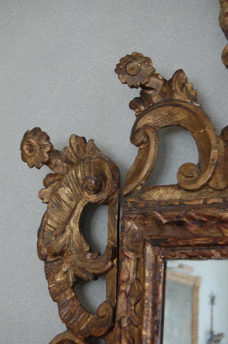 Northern Italian Rococo Giltwood Mid-18th Century Mirror For Sale 6