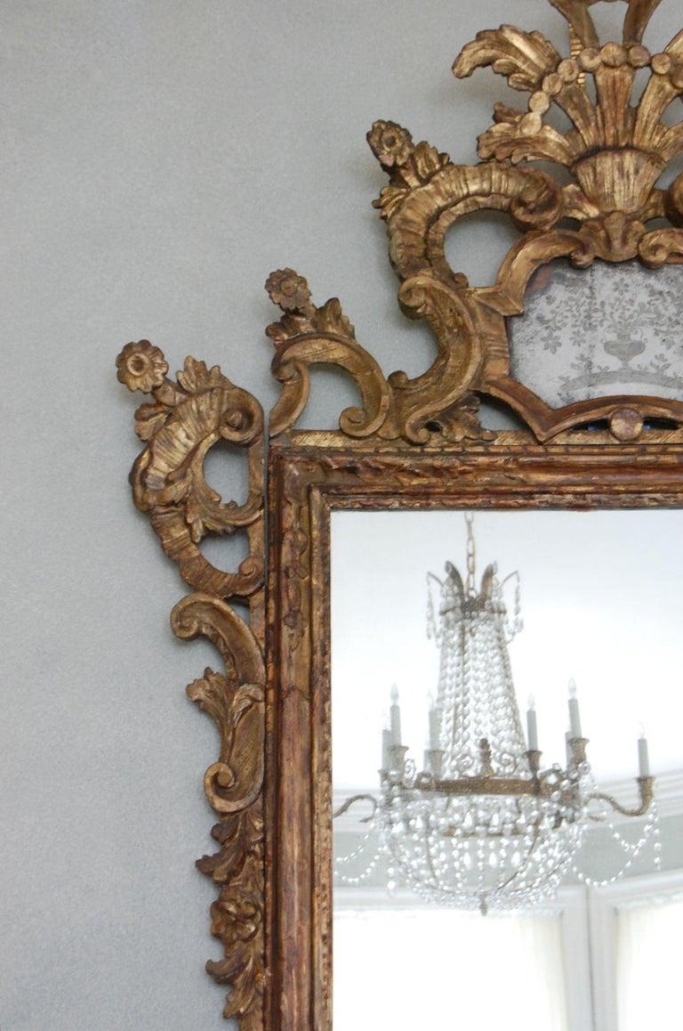 Wood Northern Italian Rococo Giltwood Mid-18th Century Mirror For Sale
