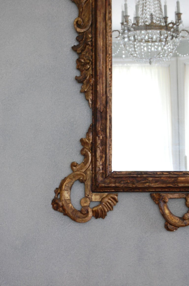 Northern Italian Rococo Giltwood Mid-18th Century Mirror For Sale 1