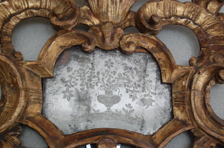 Northern Italian Rococo Giltwood Mid-18th Century Mirror For Sale 4