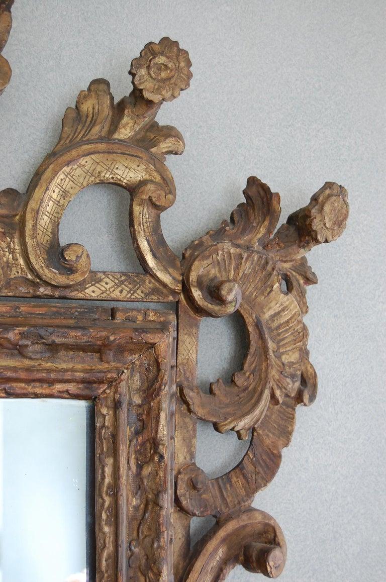 Northern Italian Rococo Giltwood Mid-18th Century Mirror For Sale 5