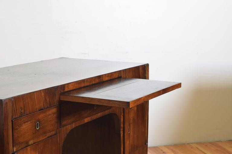 Northern Italian, Veneto, Walnut Neoclassic Period Writing Desk, early 19th cen For Sale 5
