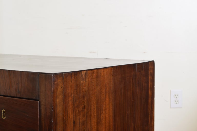 Northern Italian, Veneto, Walnut Neoclassic Period Writing Desk, early 19th cen For Sale 12