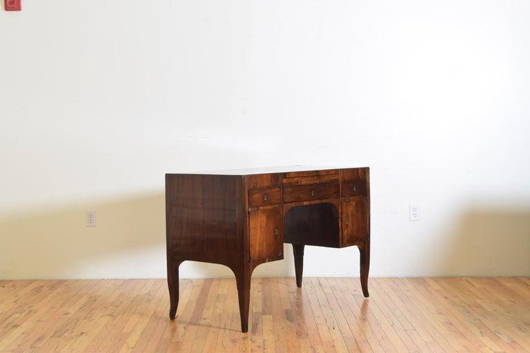 Northern Italian, Veneto, Walnut Neoclassic Period Writing Desk, early 19th cen In Good Condition For Sale In Atlanta, GA