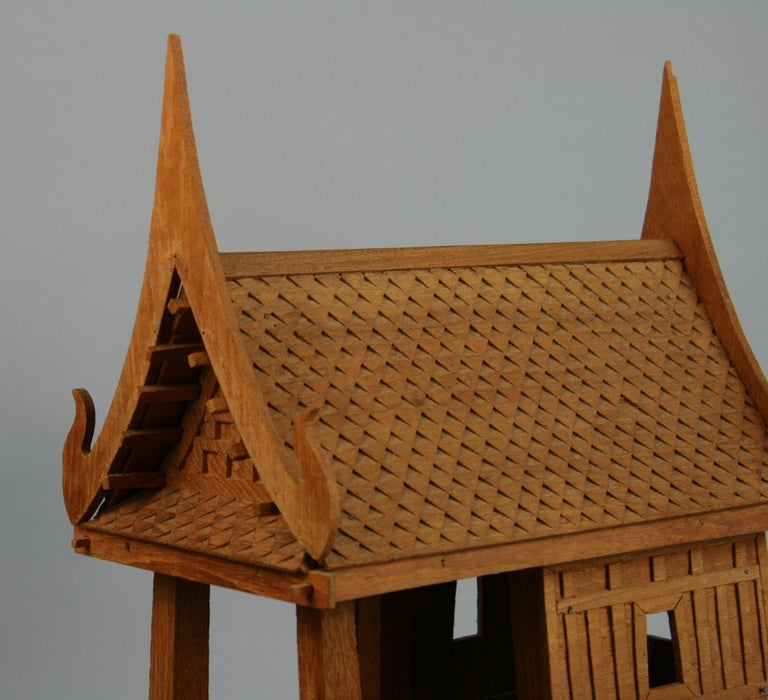 Northern Thailand Teak Wood House Model In Good Condition For Sale In Douglas Manor, NY