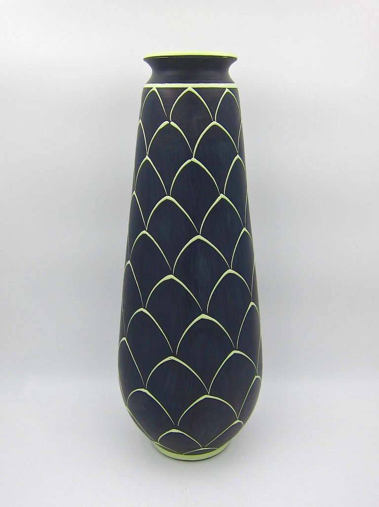 Norwegian Larholm Keramikk Scandinavian Modern Vase in Black and Green, 1950s For Sale 6